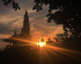 Chandidasa Sunset Tempel blog