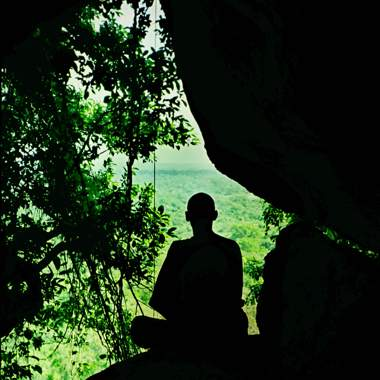 meditation in der hoehle